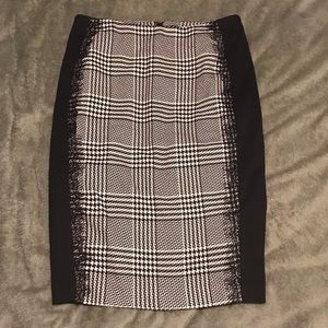 New York and Comp Checkered Pencil skirt